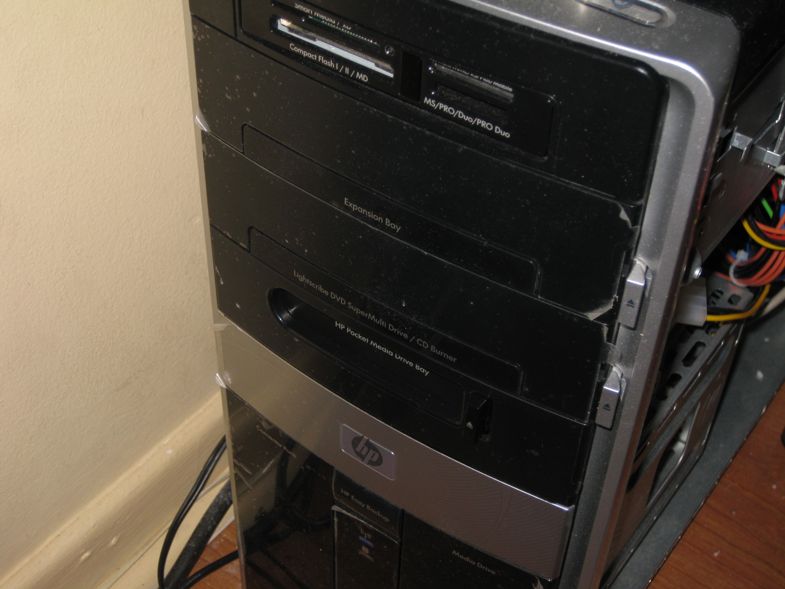 Picture of Seamless Zune Dock - HP Pocket Media Drive Bay