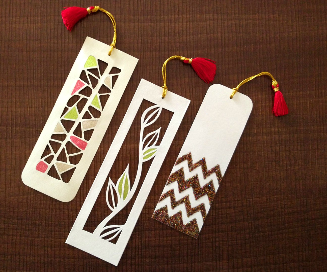 how to make bookmarks | paper cutting art : 4 steps