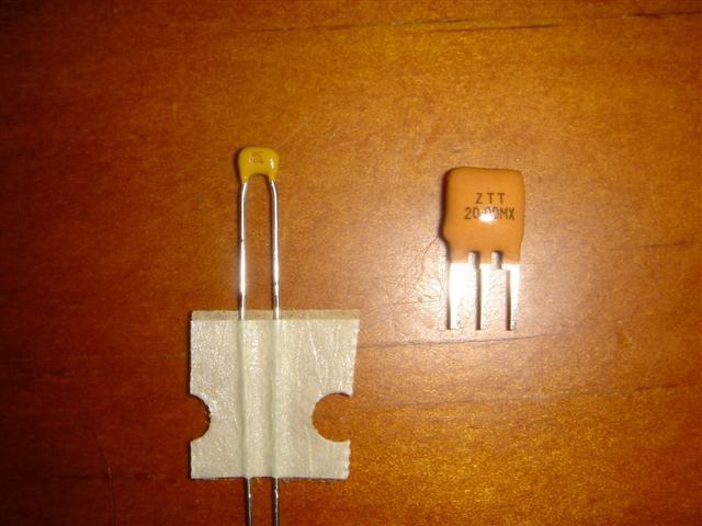 Picture of Ceramic Capacitor and Resonator