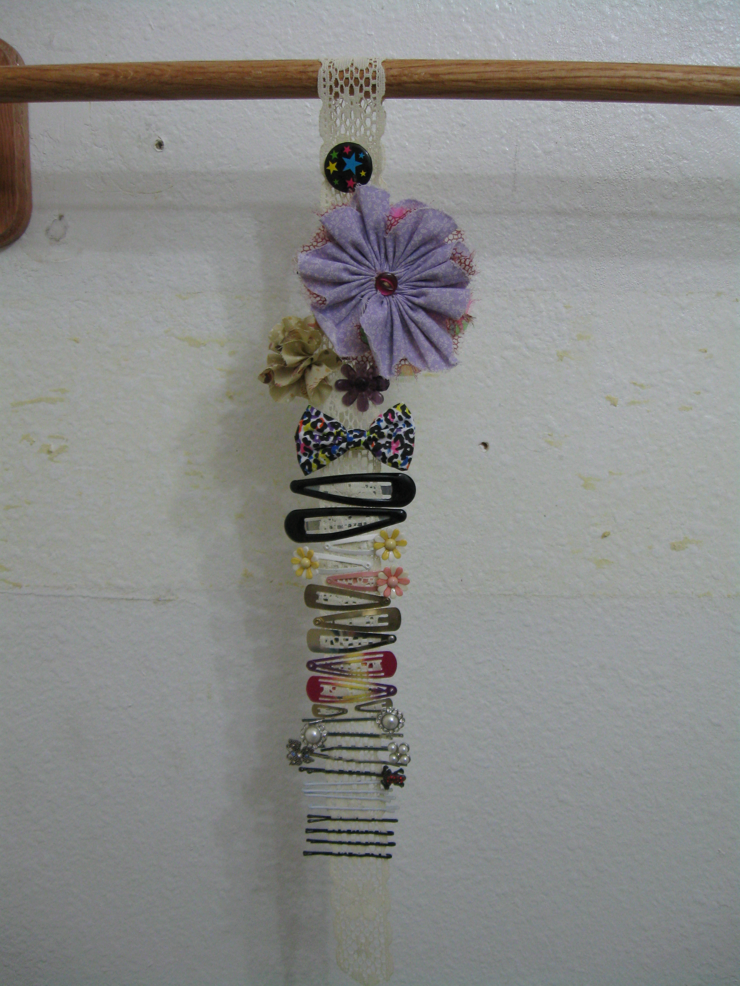 Picture of Ribbon Hair Clip Holder