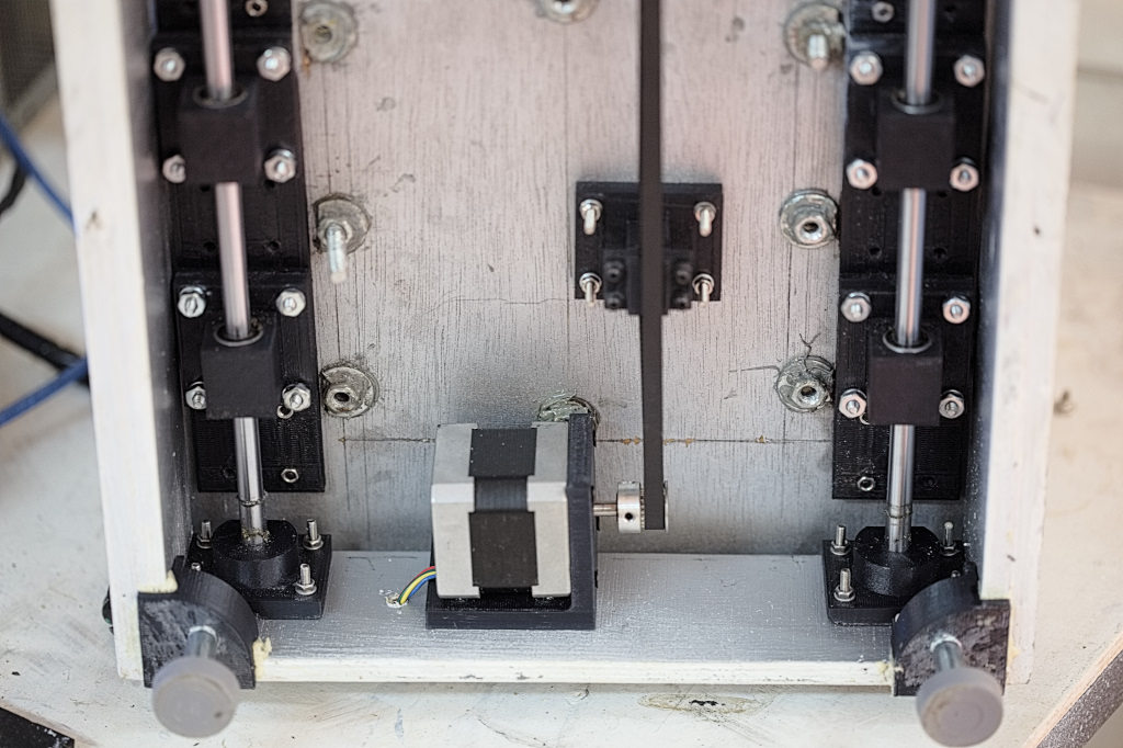 Picture of Mount and Test End Switches