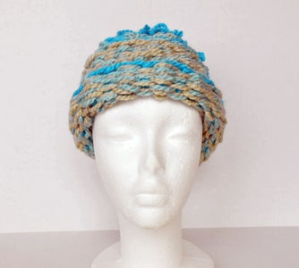How to Make an Extra-Warm Hat on a Peg Loom