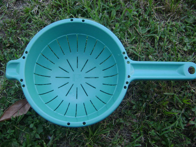 Picture of A Pasta Drainer With Holes Anstagnation
