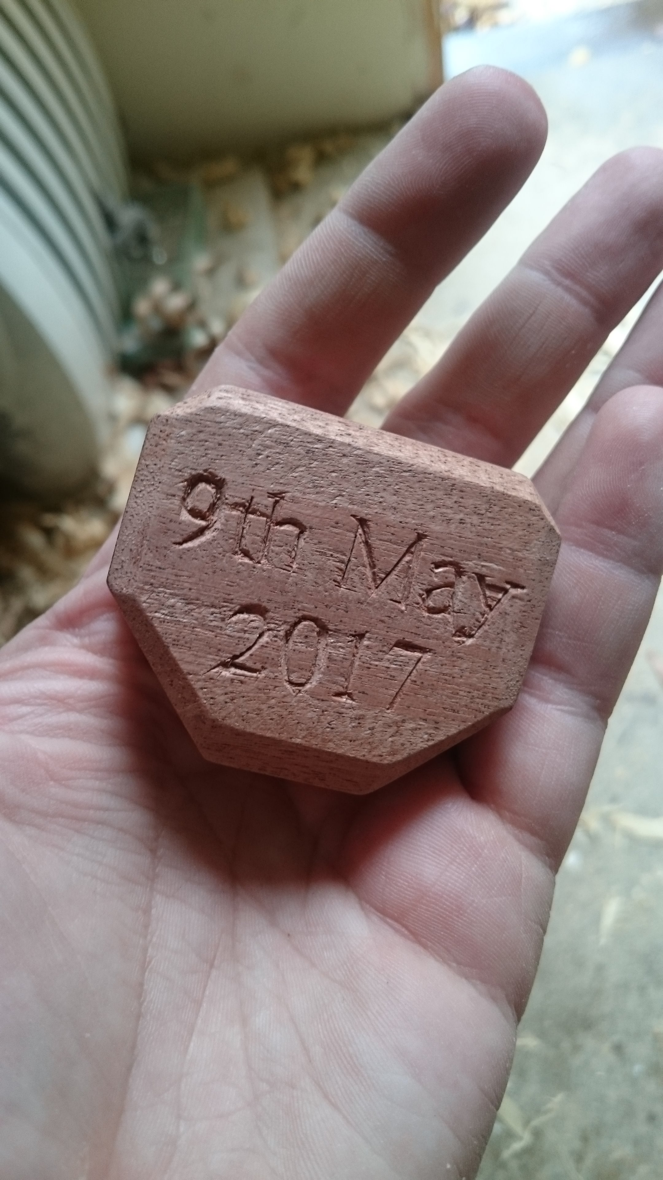 Picture of Cutting and Carving the Knob