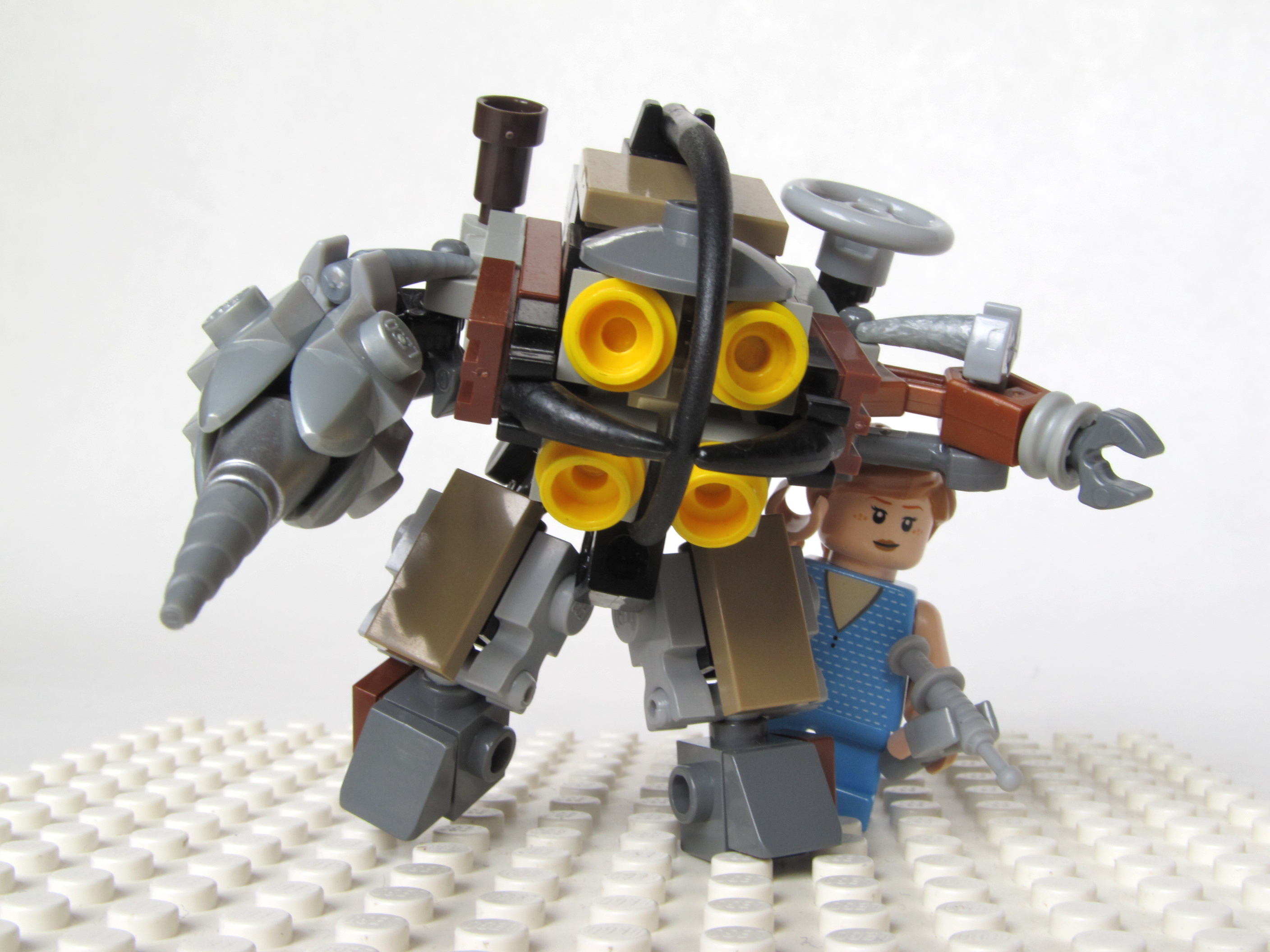 Picture of LEGO Bioshock Big Daddy & Little Sister