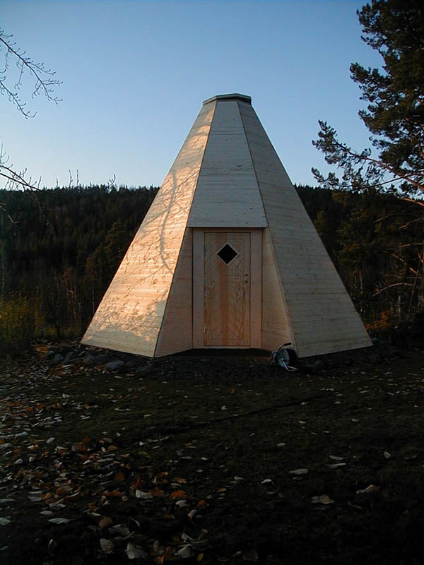 How to Build a Sami Hut in Wood!