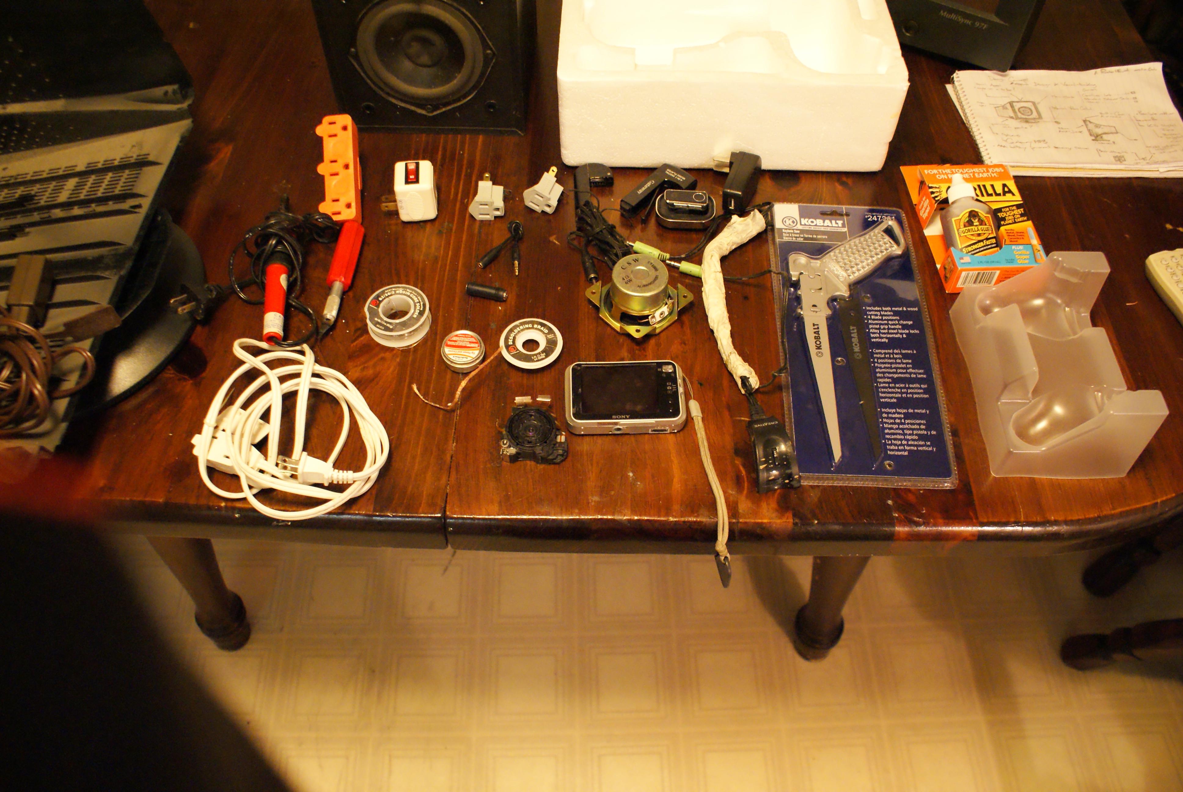 Picture of Radio_HEAD Soundbox Multi-purpose Hub.    DEADCOMPUTER CONTEST