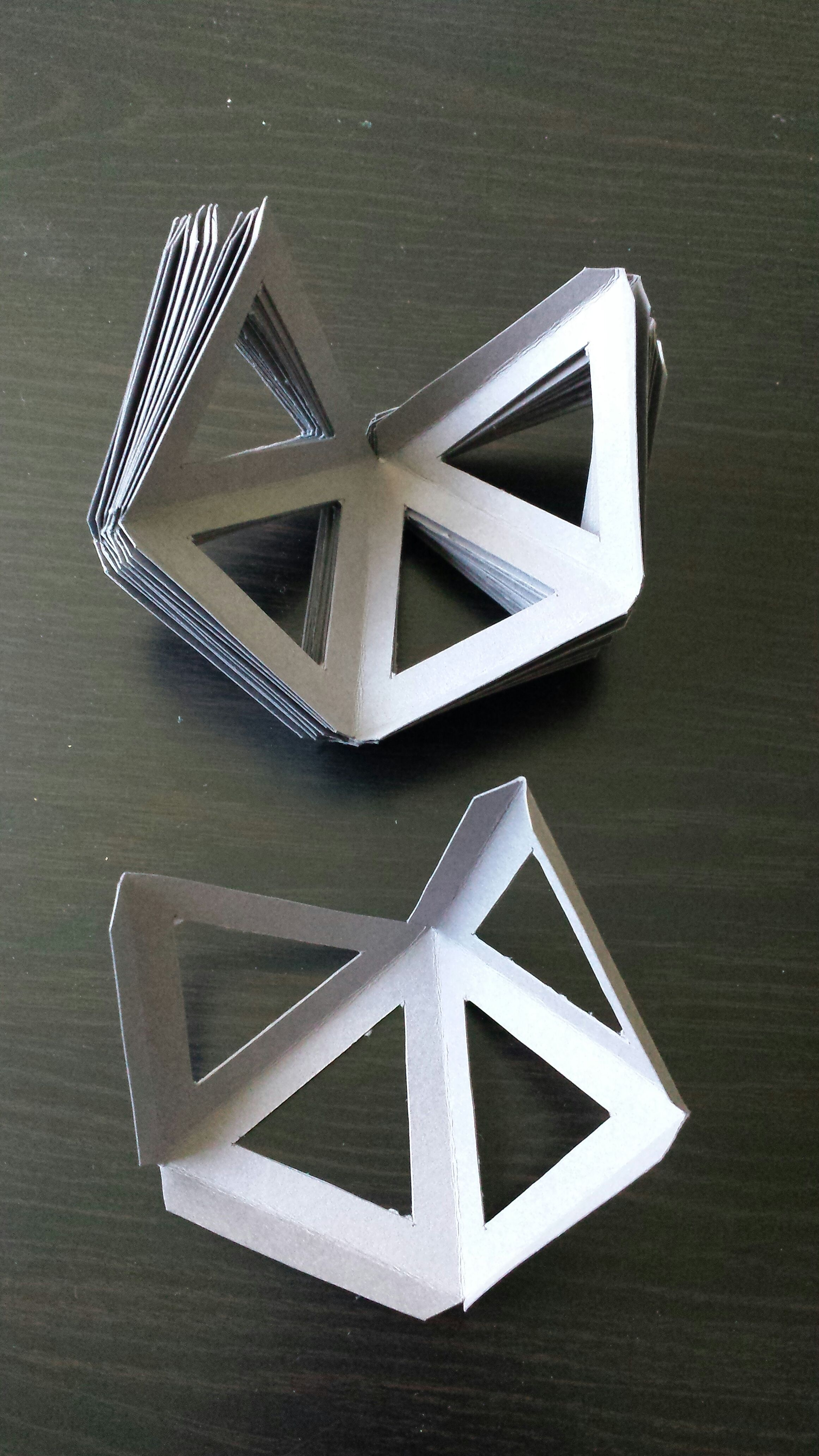 Picture of Spikes: Cutting and Folding