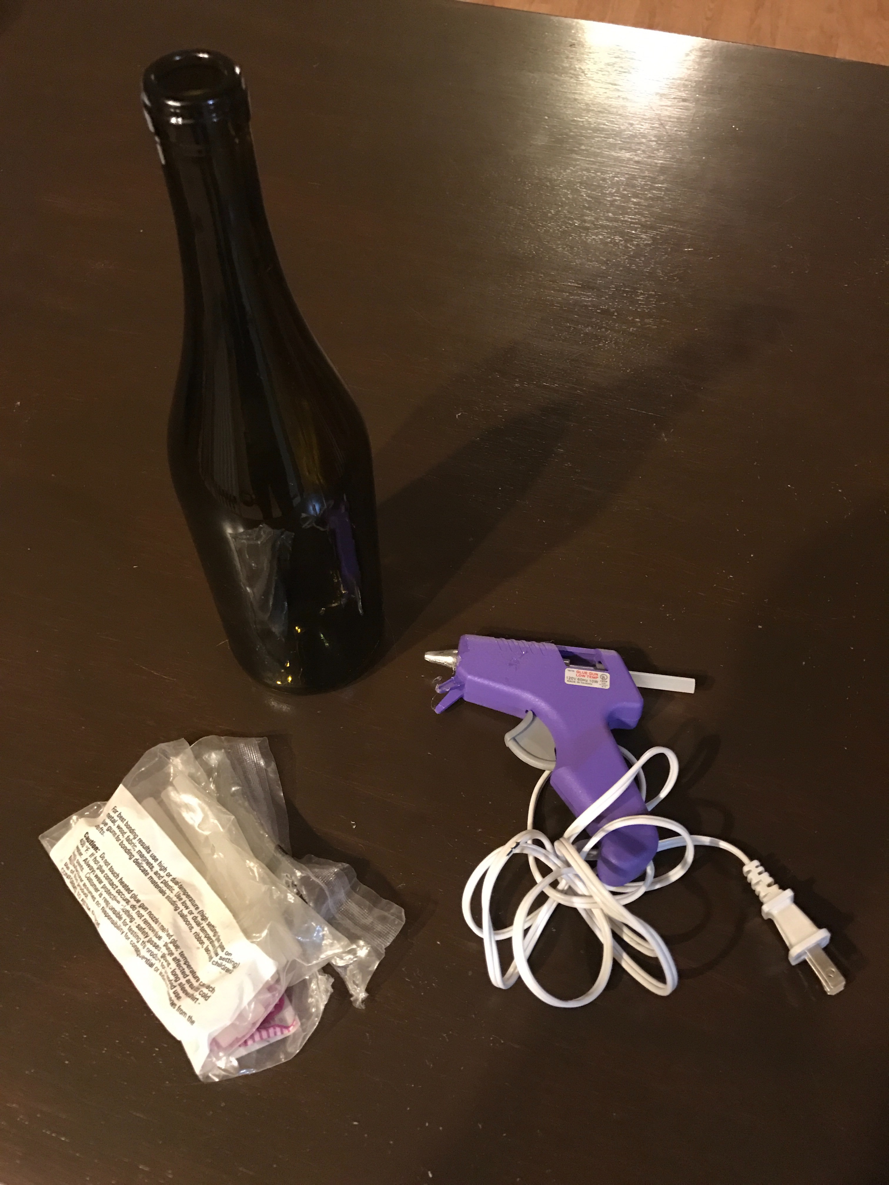Picture of Decorate Wine Bottle