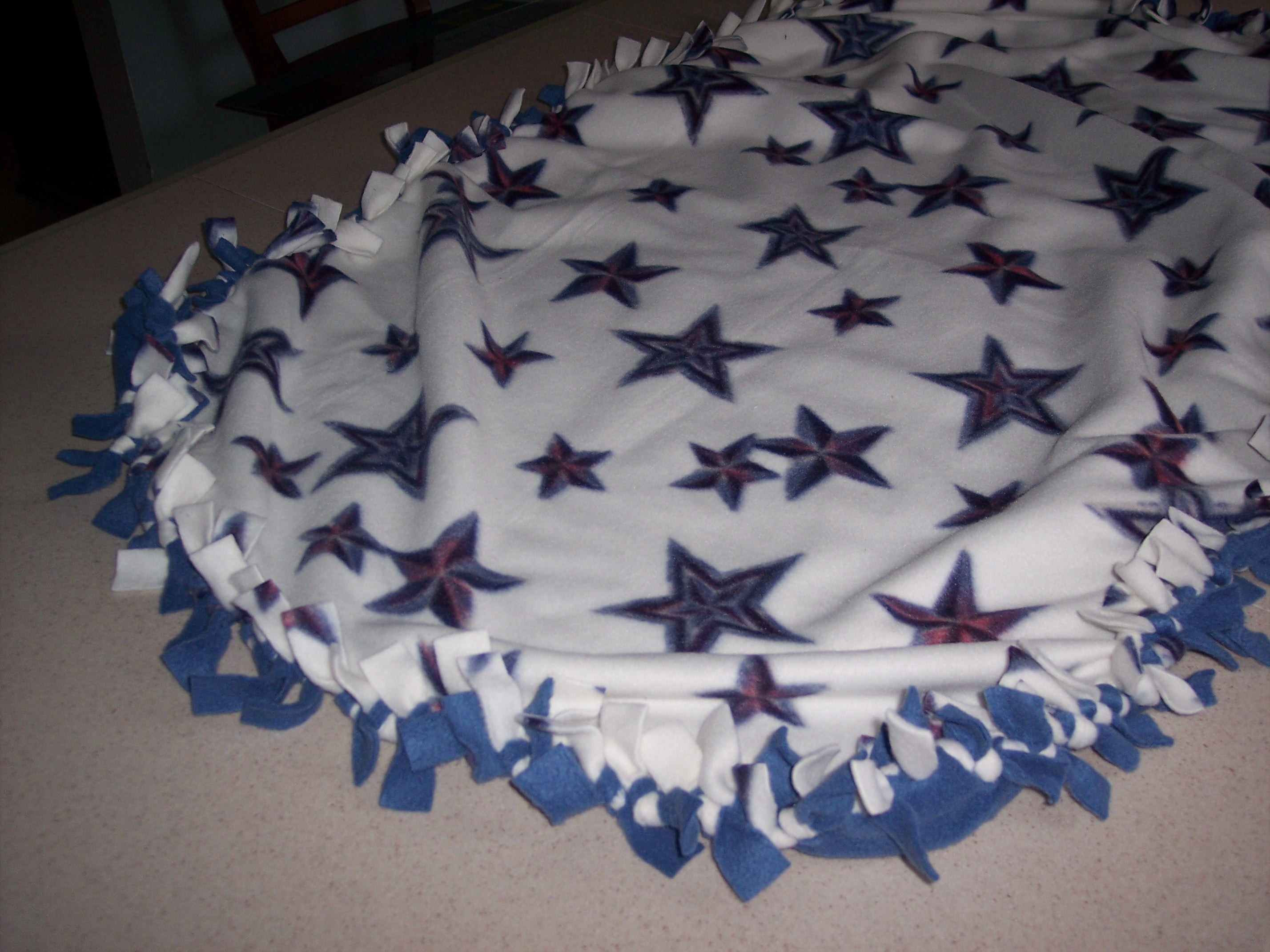 How To Make A Tied Fleece Blanket 10 Steps With Pictures