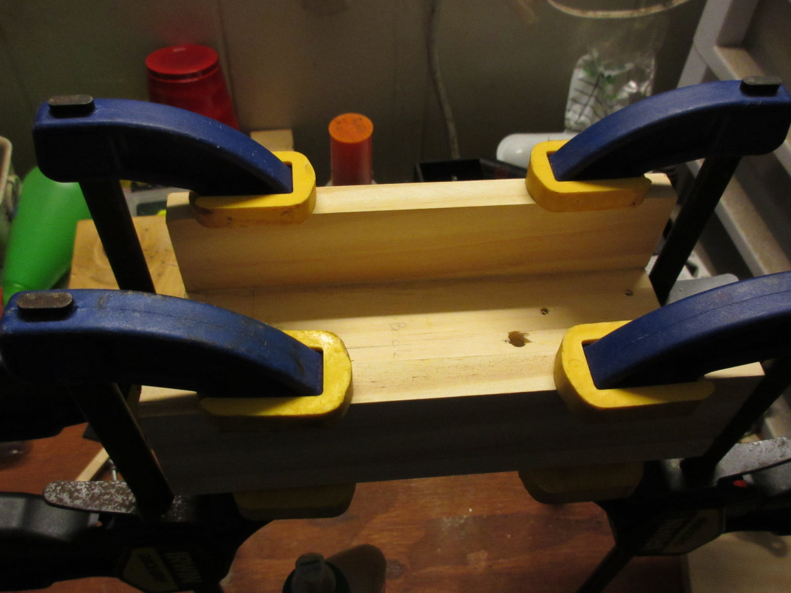 Picture of Clamp Legs Together.