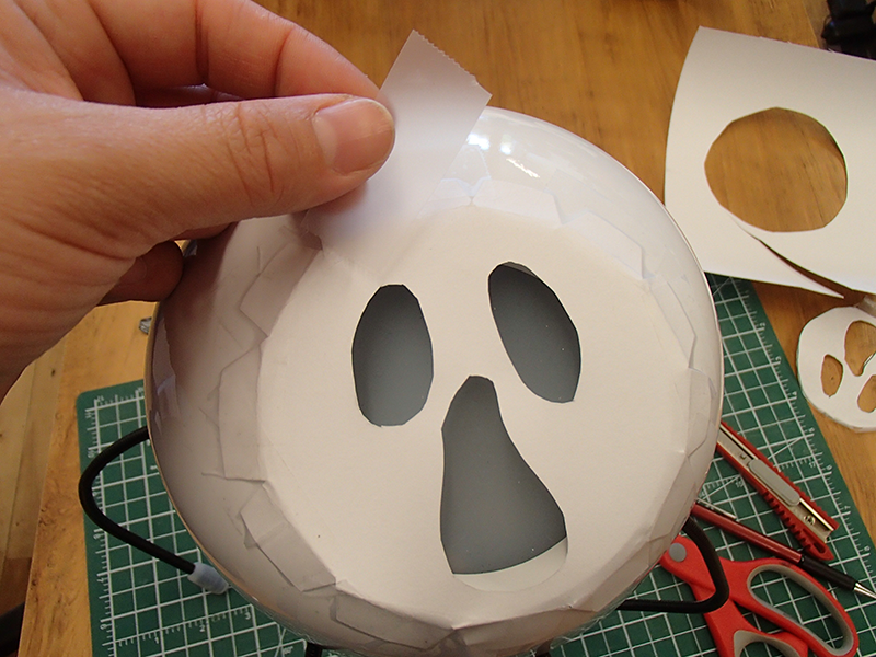Picture of Make a Ghost Face Mask for Clyde