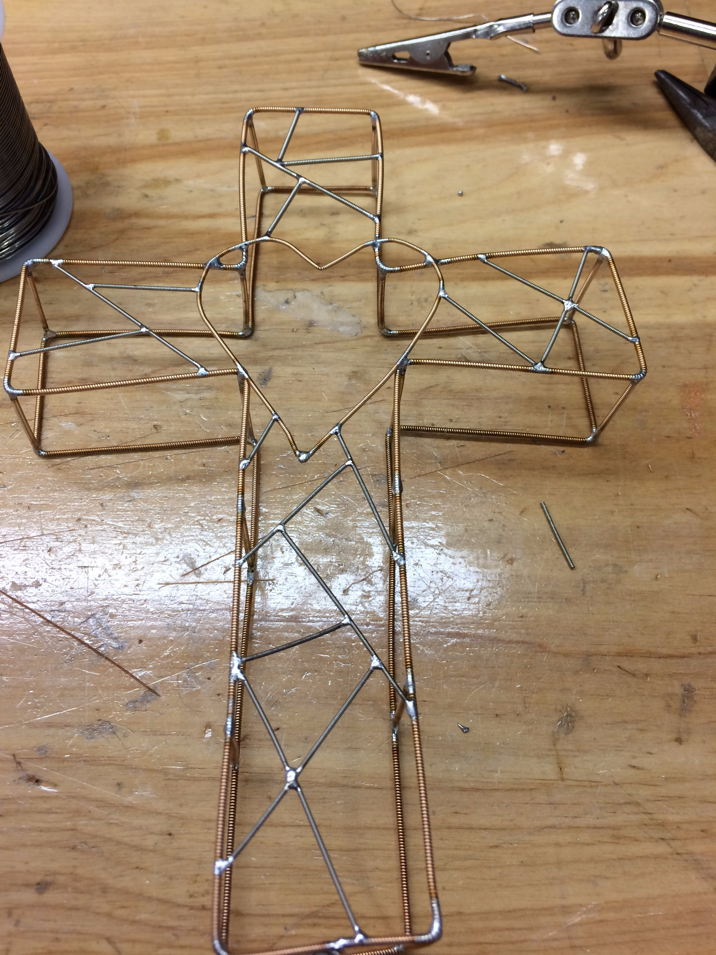 Picture of 3D Guitar String Wireframe Cross