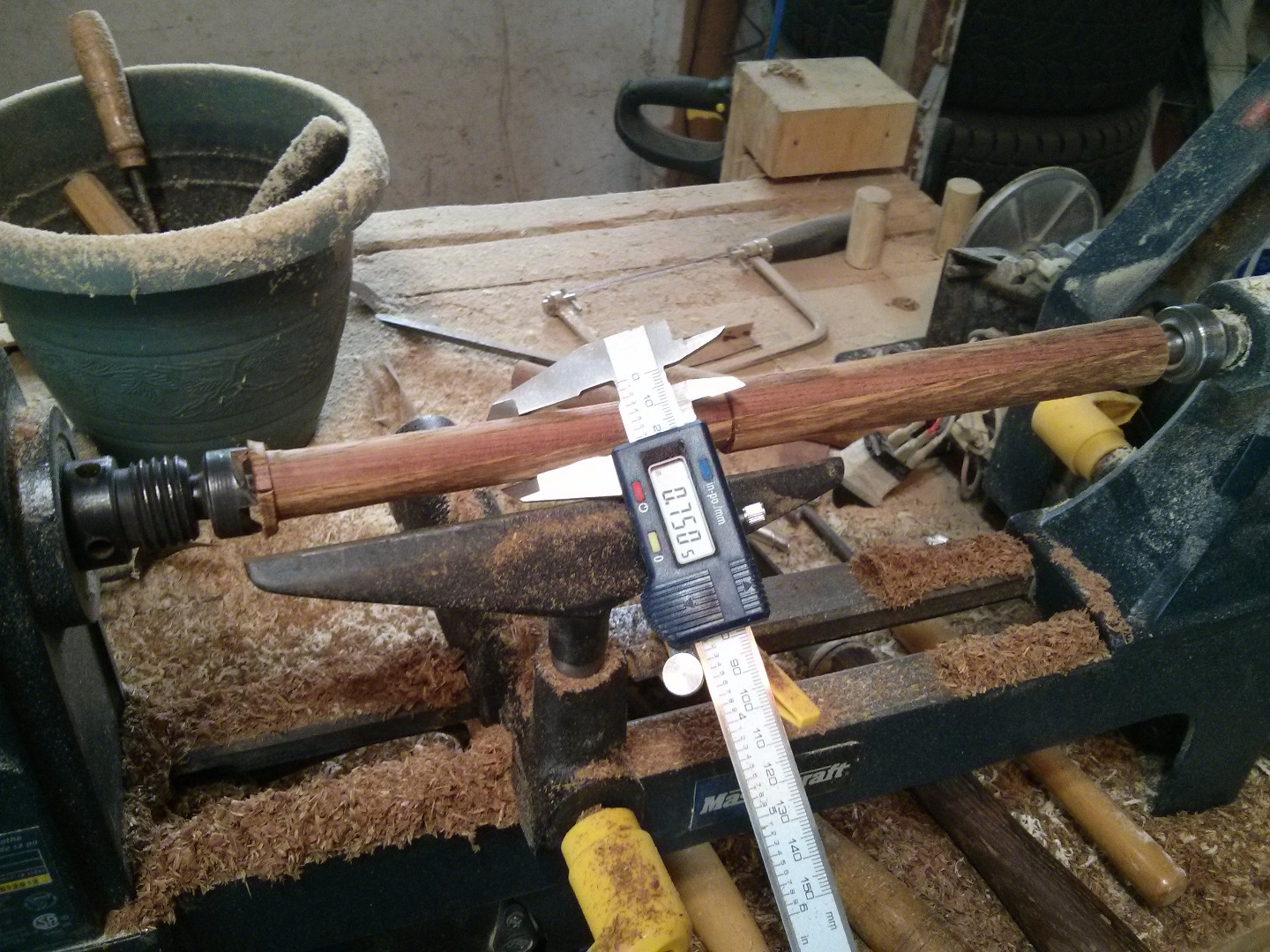 Picture of Turning the Handle - Round Mallet
