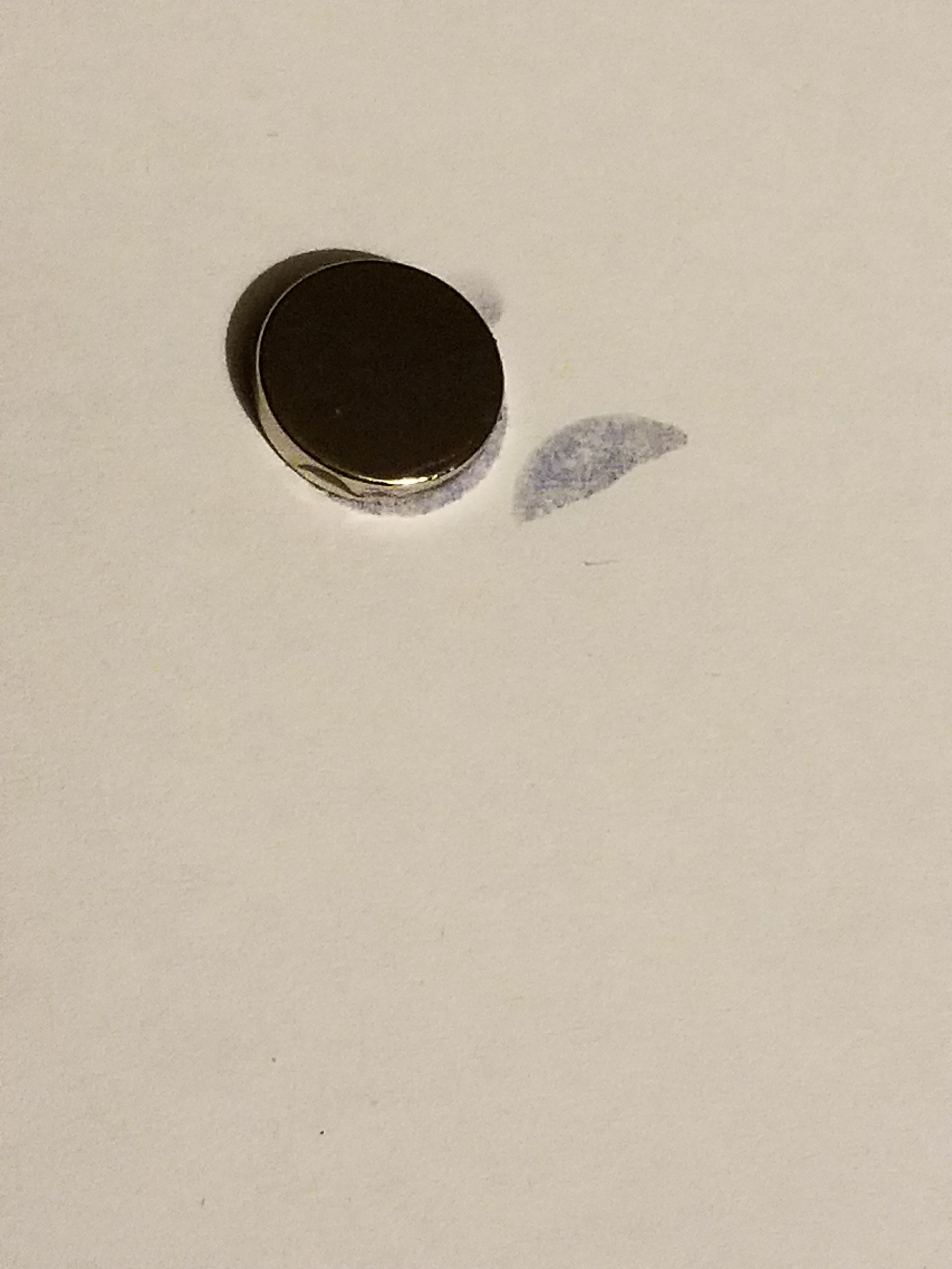 Picture of Glue a Pair Neodymium Magnet on the Back
