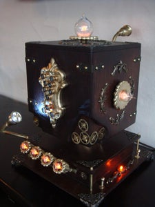 Aetherias Secret - a Steampunk Safe With Nixie Display