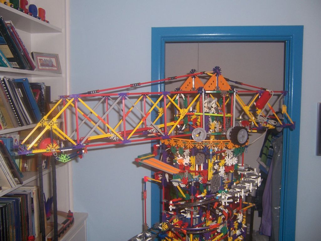 Picture of Rotating Crane Arm