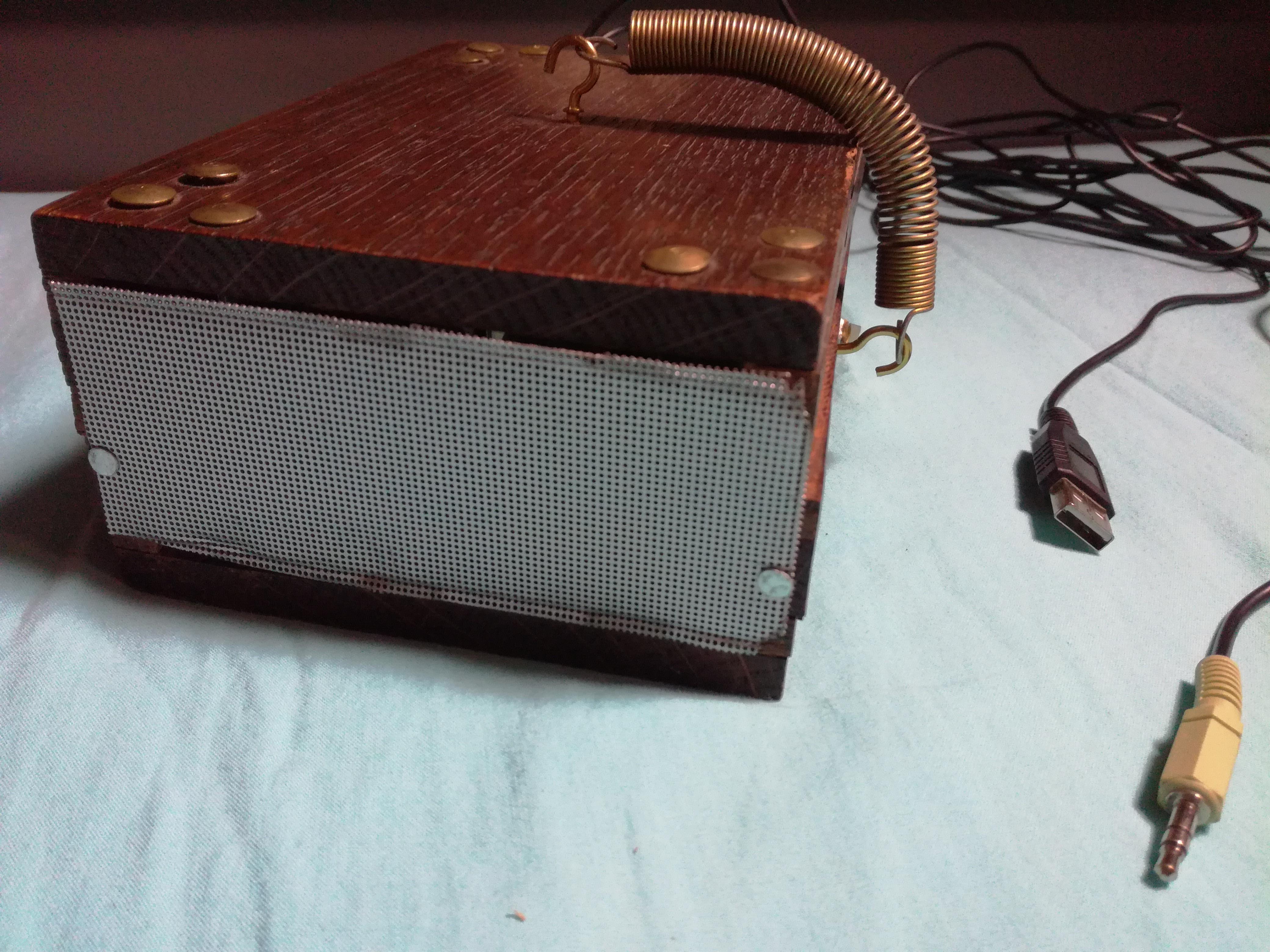 Picture of Retro Noise-o-box Speaker