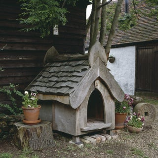 timber-frame-gothic-dog-kennel-by-richard-foxcroft-architect-richard-foxcroft.jpg