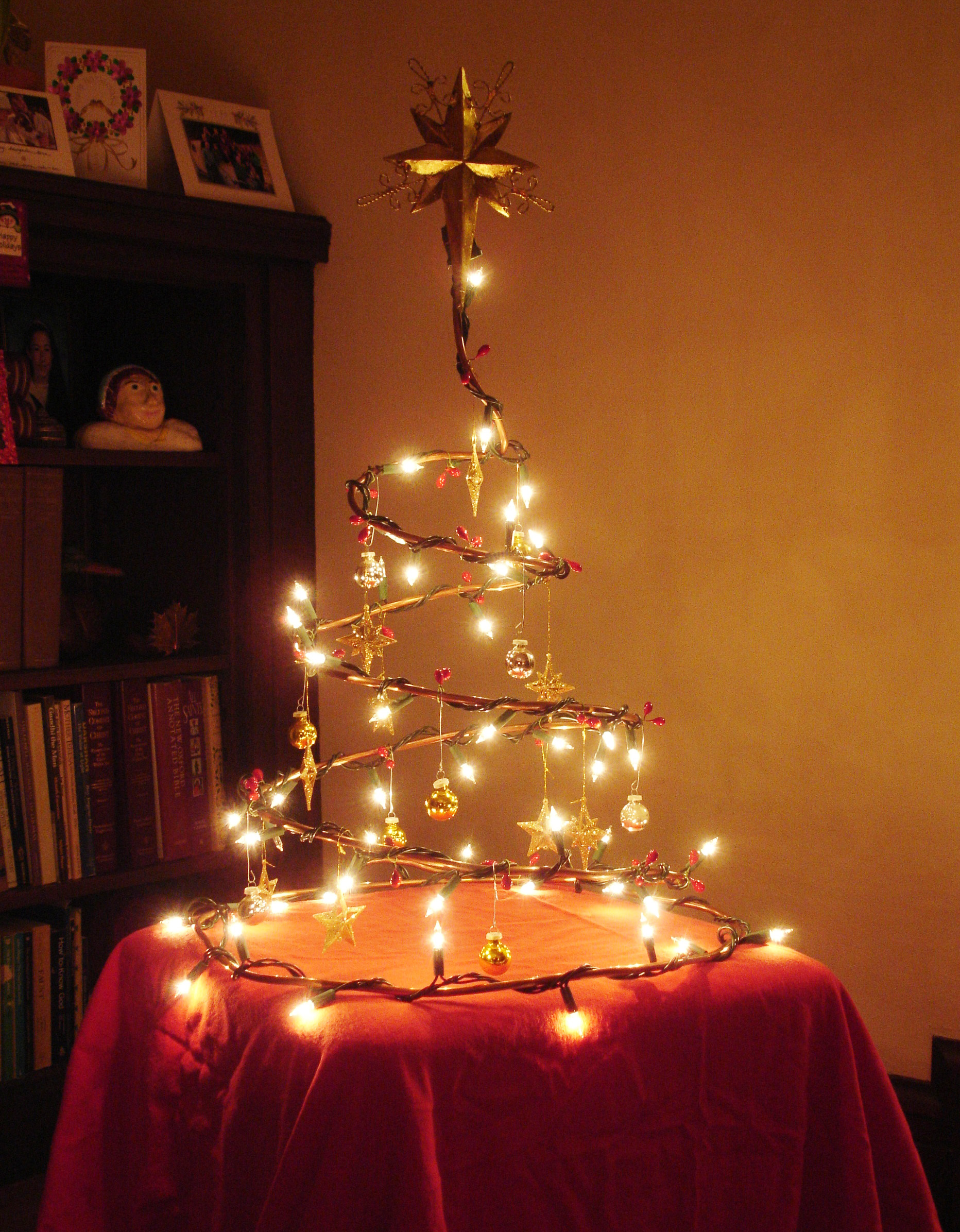 Wire Christmas Tree.Collapsible Wire Christmas Tree 3 Steps With Pictures