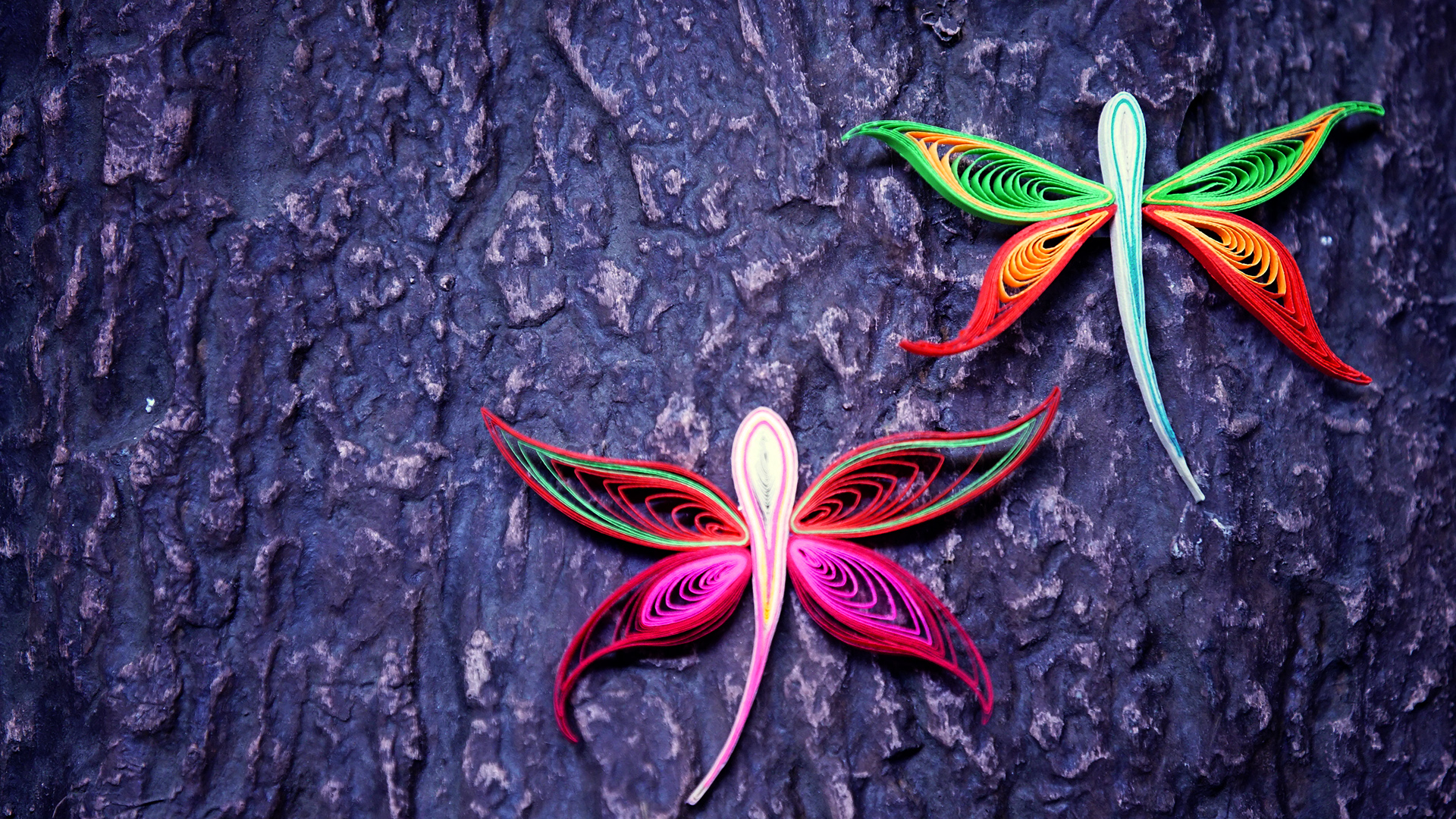 Picture of How to Make a Dragonfly Using Paper Art Quilling