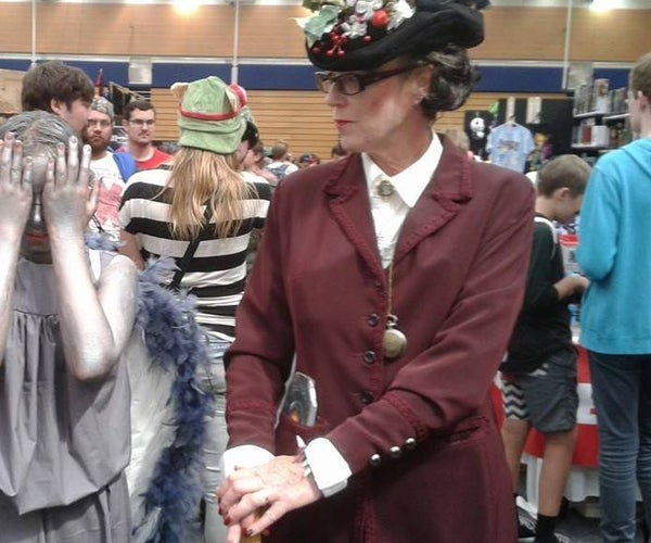 Missey Outfit and  Hat From Dr Who