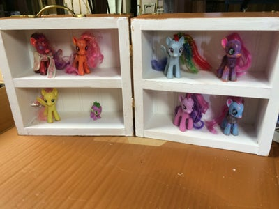 Pony Display Shelf and Carrying Case