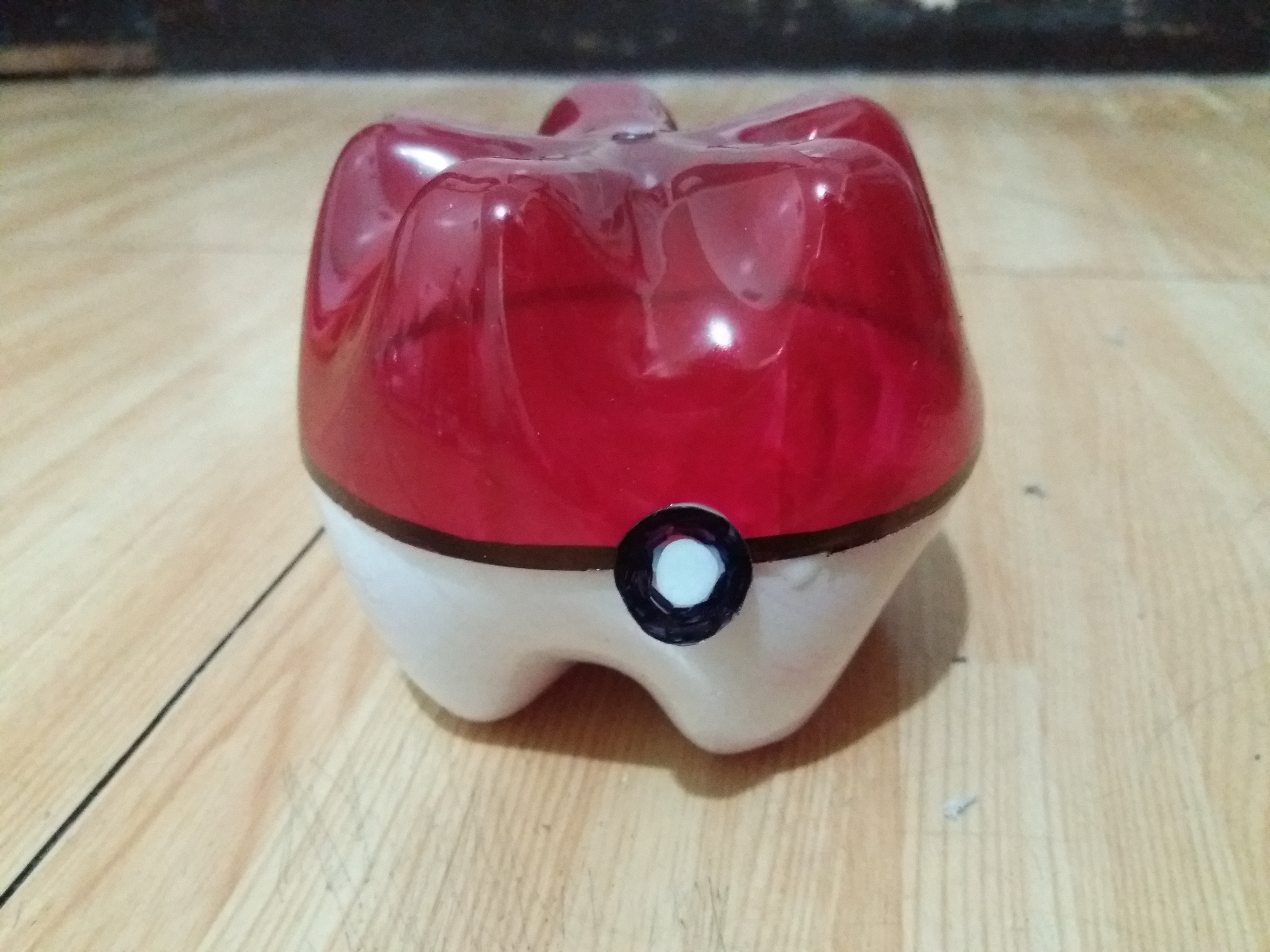 Picture of Squiggly Pokeball
