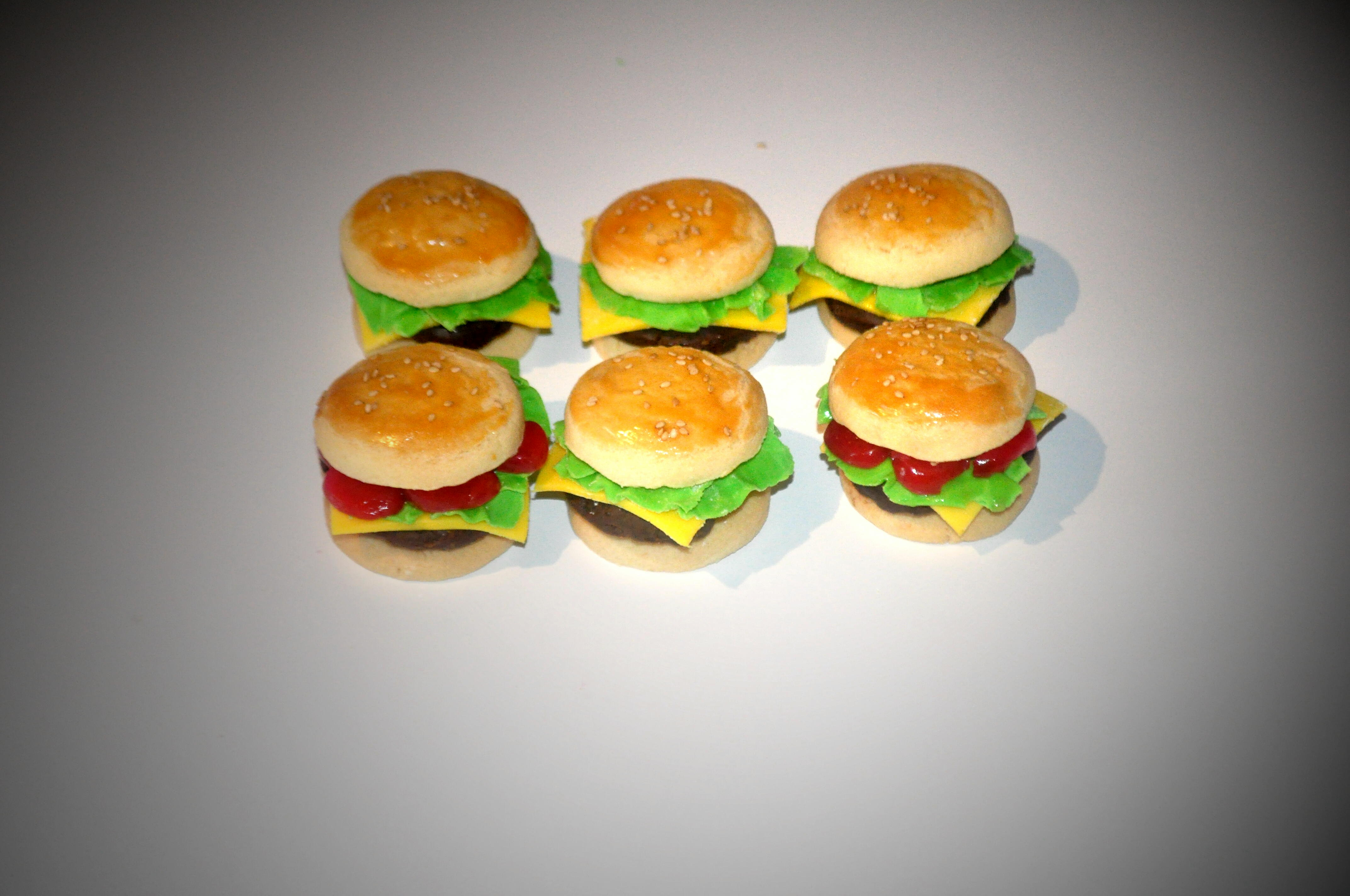 """Picture of Tiny """"cheeseburger"""" (vanilla, Chocolate and Cherry Cookies!)"""