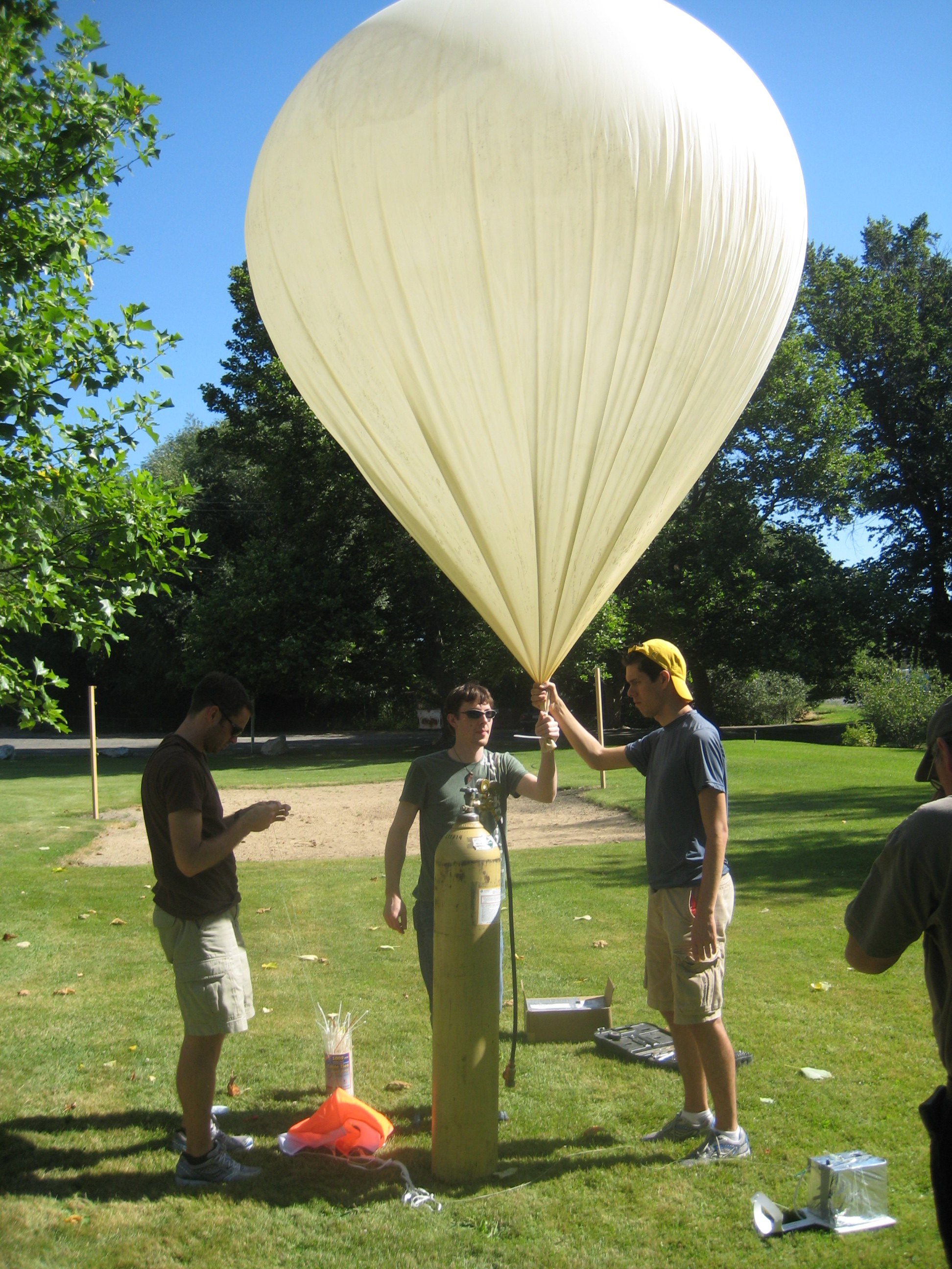 Picture of Balloon, Parachute, and Helium