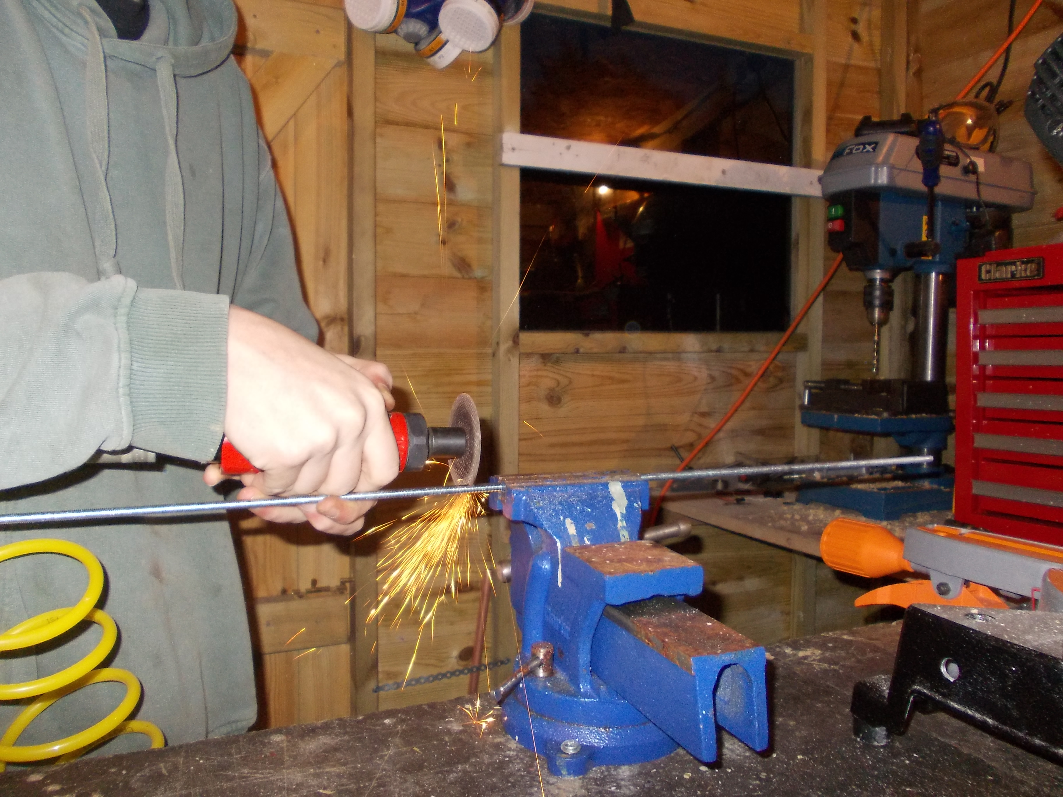 Picture of Cutting the Threaded Bar