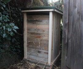 Pallet Wood Straw Bale Compost Bin - Winterised Dry Toilet. Composteur de pipi. Compostador de orina
