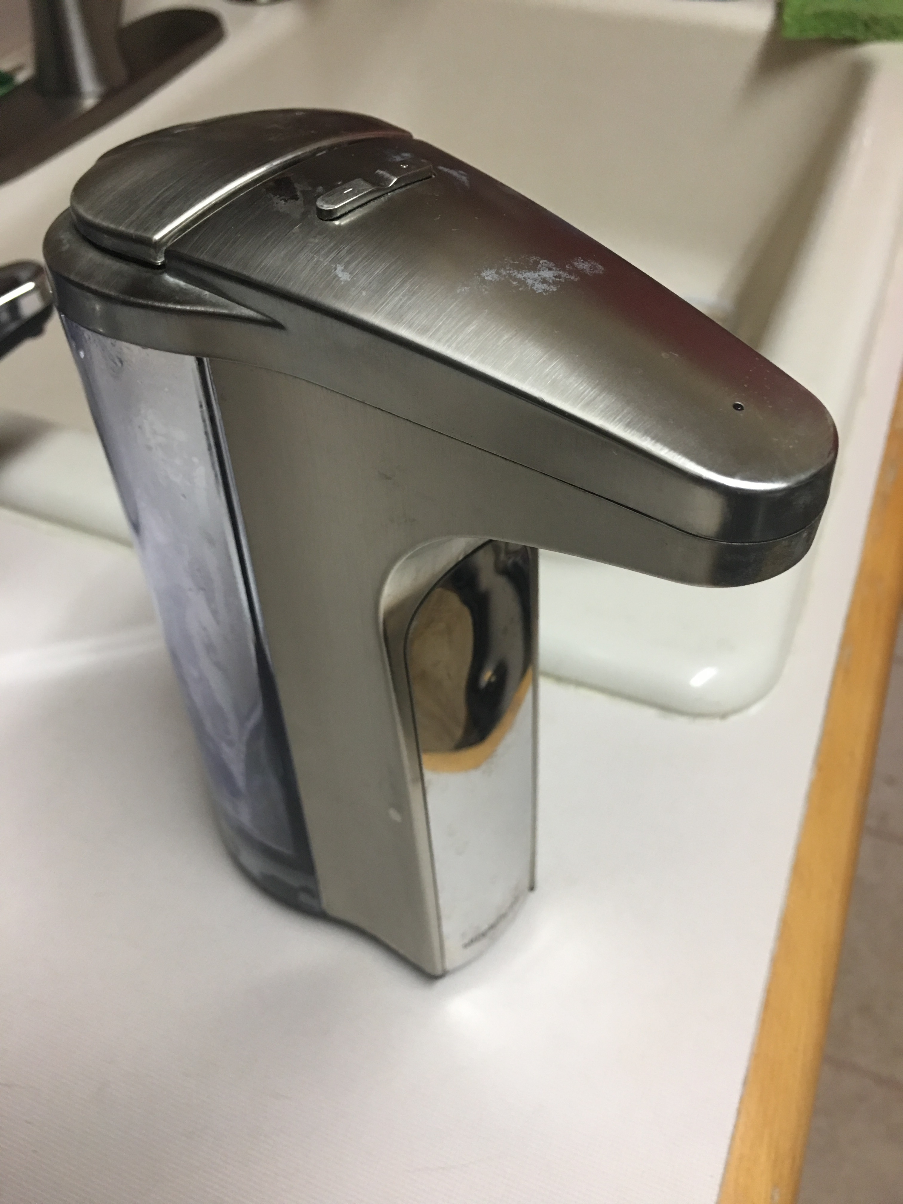 Picture of Unclogging a SimpleHuman Soap Dispenser - 414ml Version