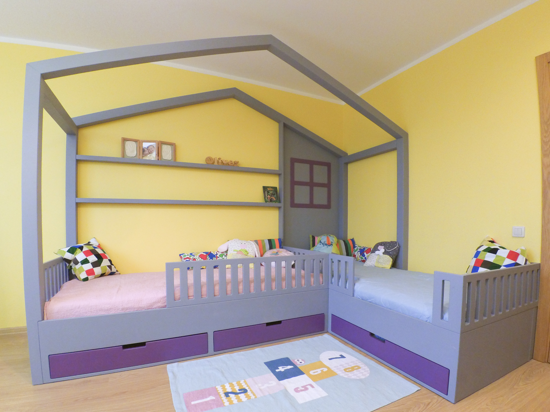 Picture of House Shaped Bed (twin)