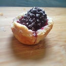 Mouth-optimized Blackberry Mini Pies