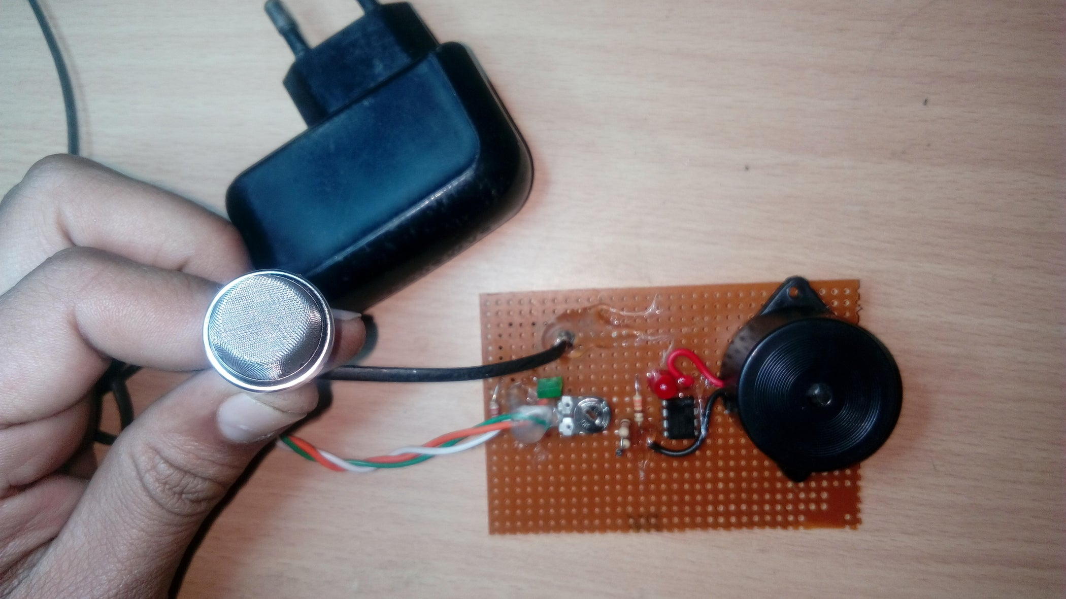 Lpg Leakage Alarm 5 Steps Electronics Circuit Free Electronic Timer Circuits With 4060b