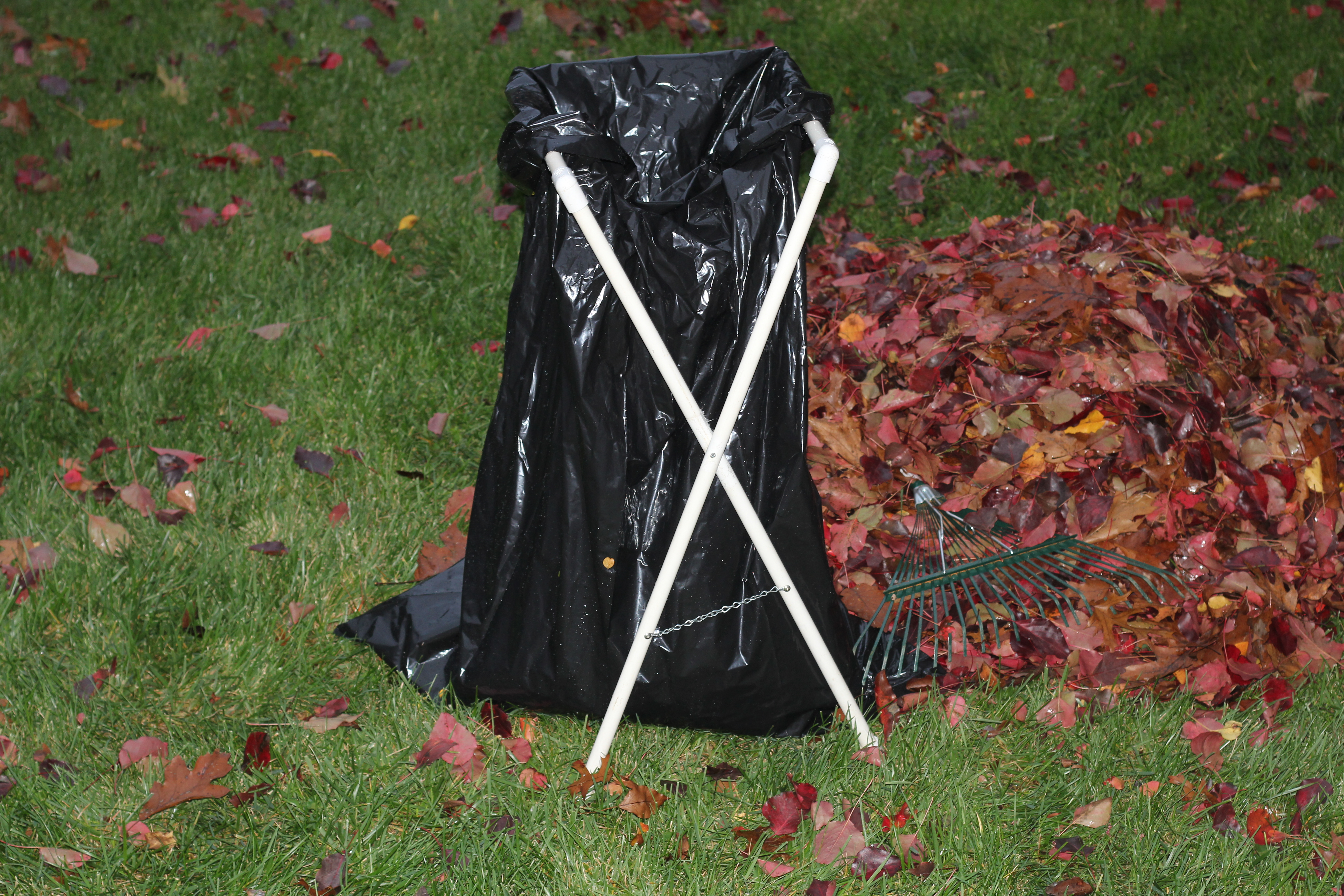 Picture of Folding PVC Lawn and Leaf Bag Holder