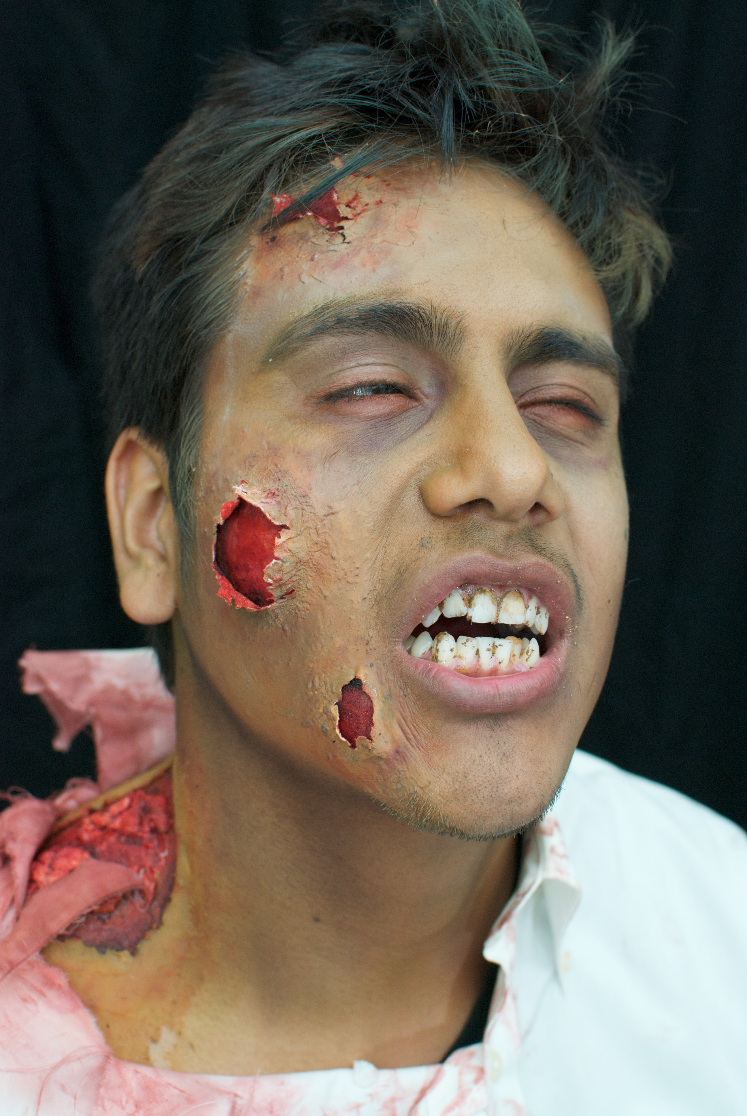 Picture of Add Zombie Rot to Teeth