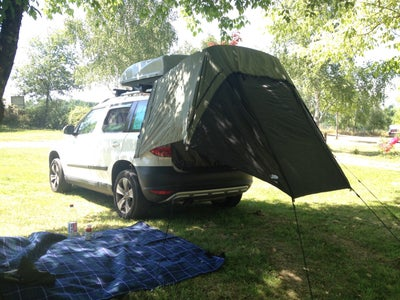 Trunk Tent
