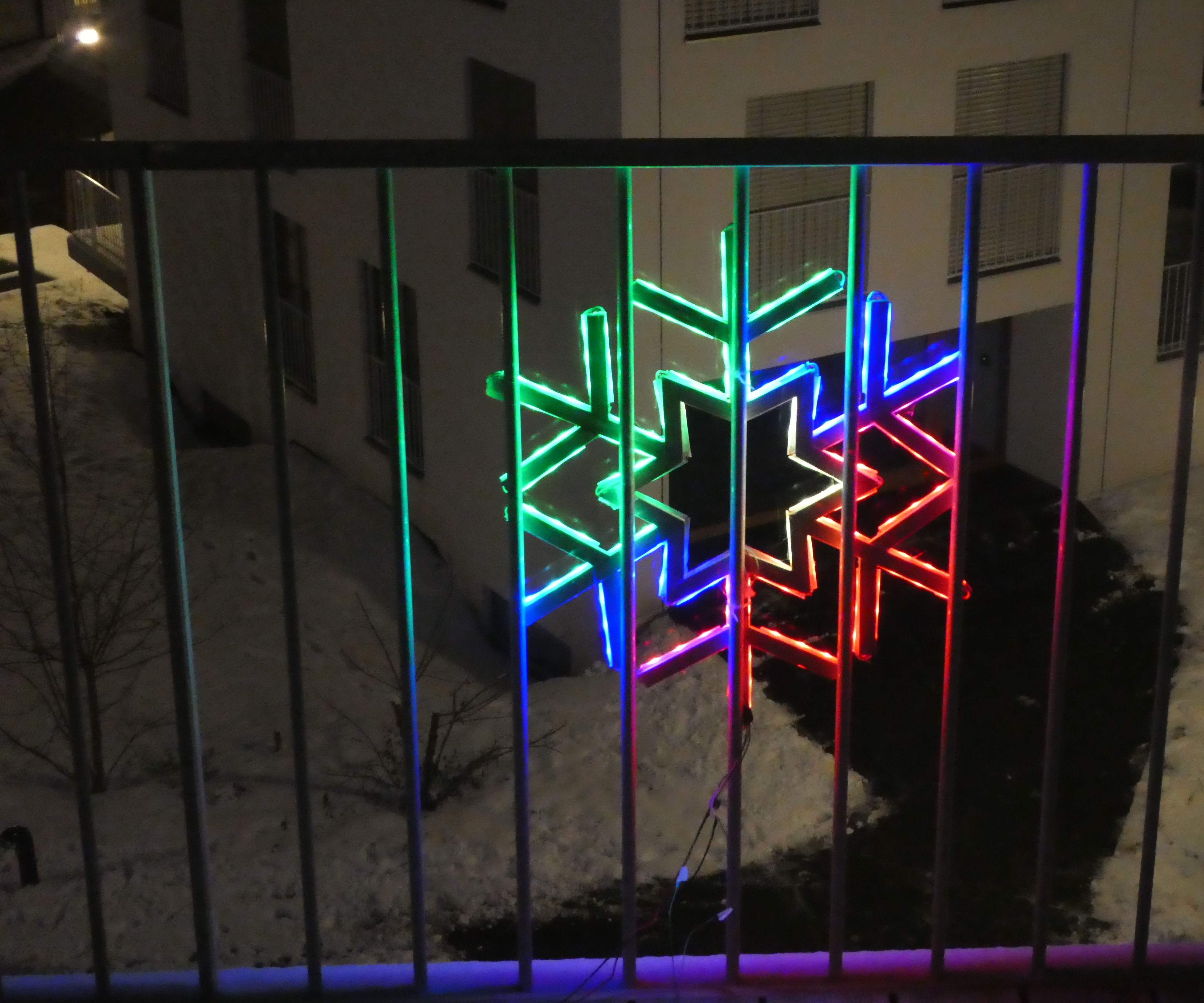 LED Strip Snowflake / Star Animations: 5 Steps