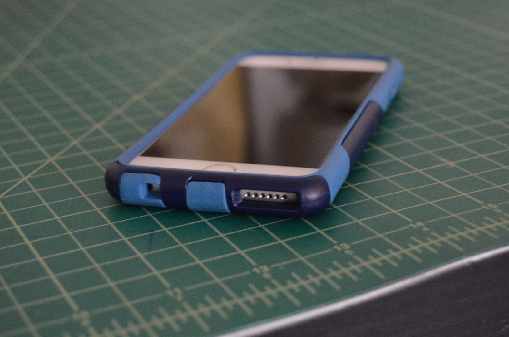 Picture of Otterbox Commuter Series Fix for IPhone 6
