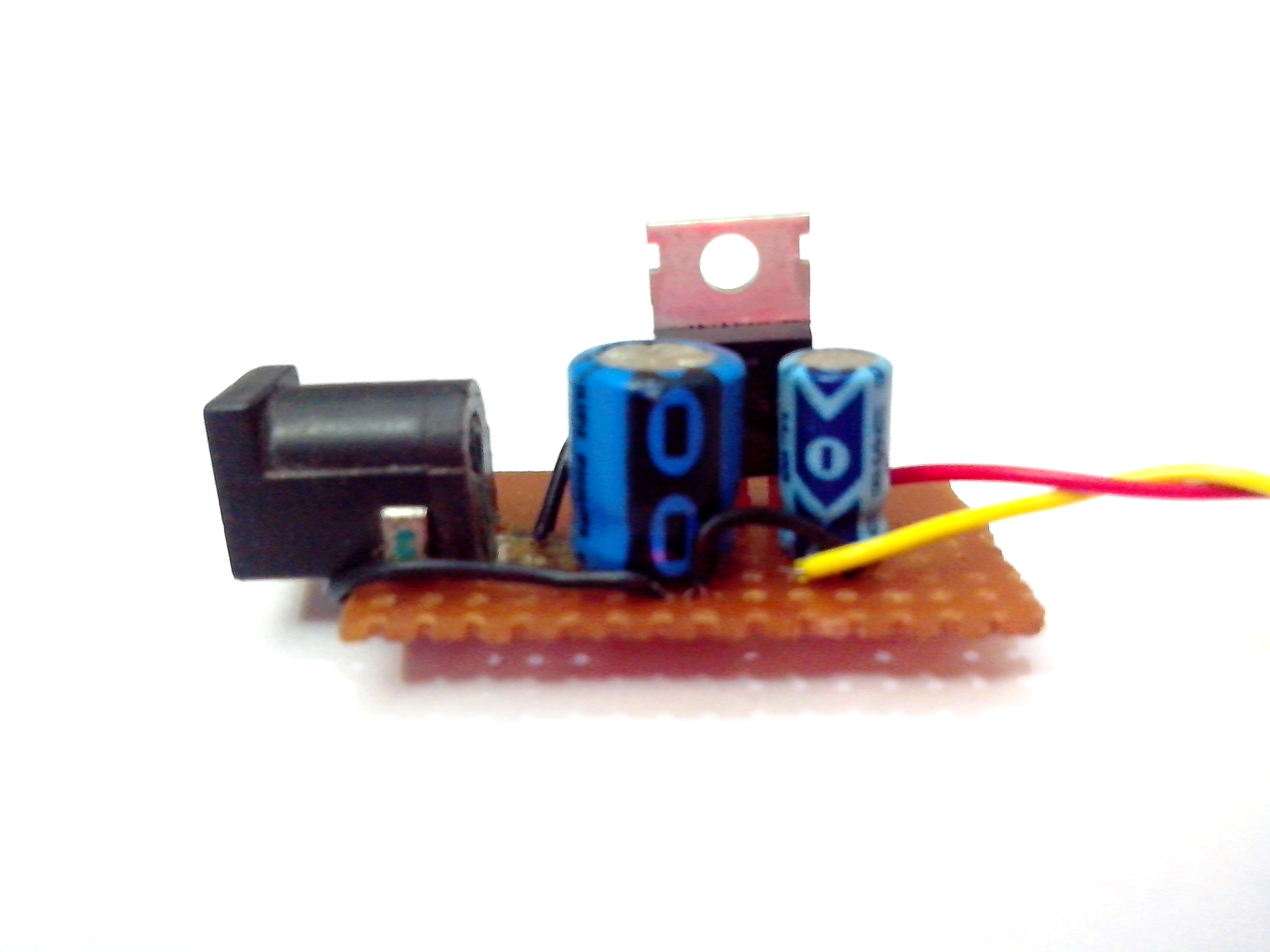 Picture of 5v Regulator