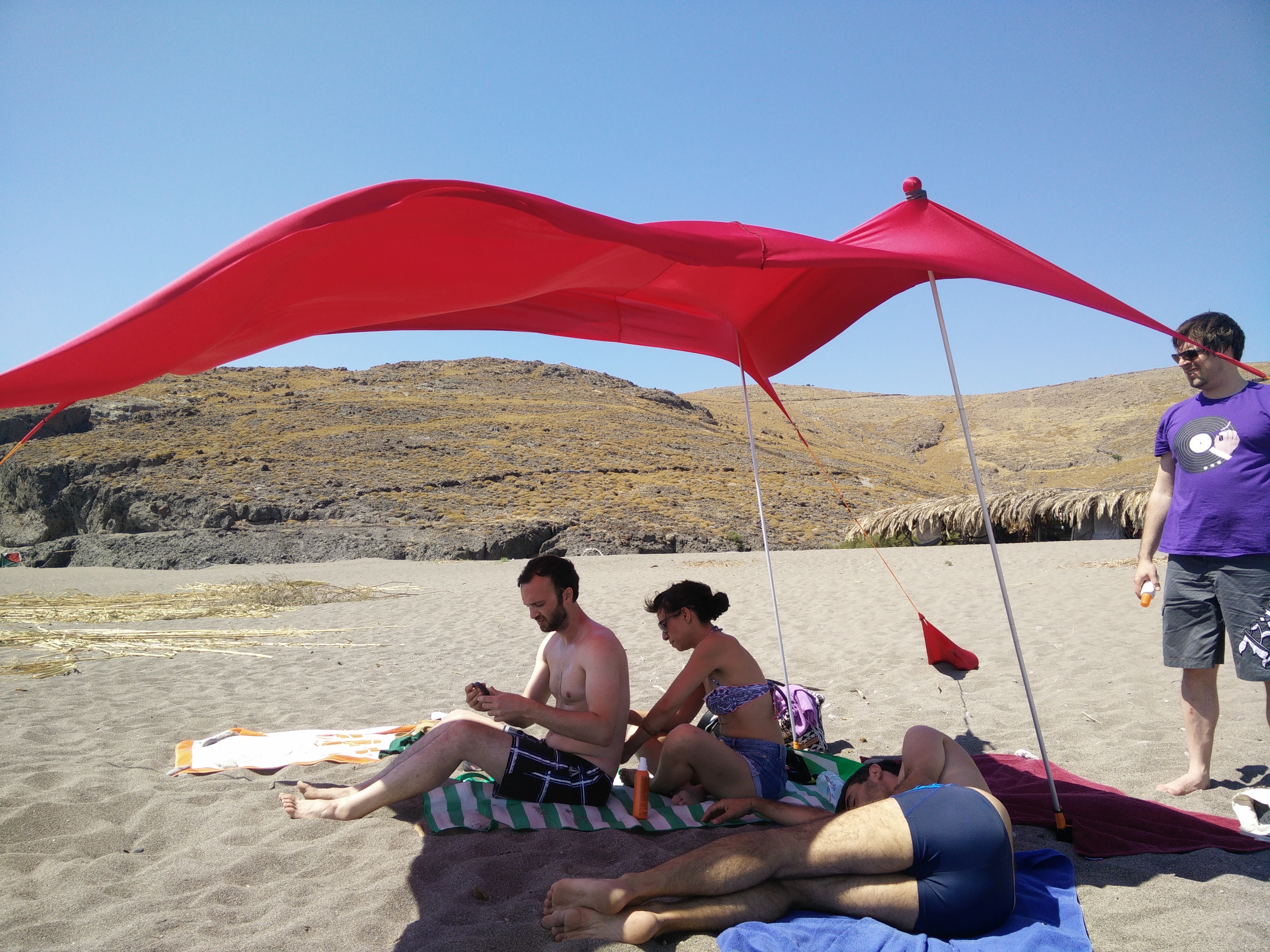 Picture of Compact Windproof Beach Tent