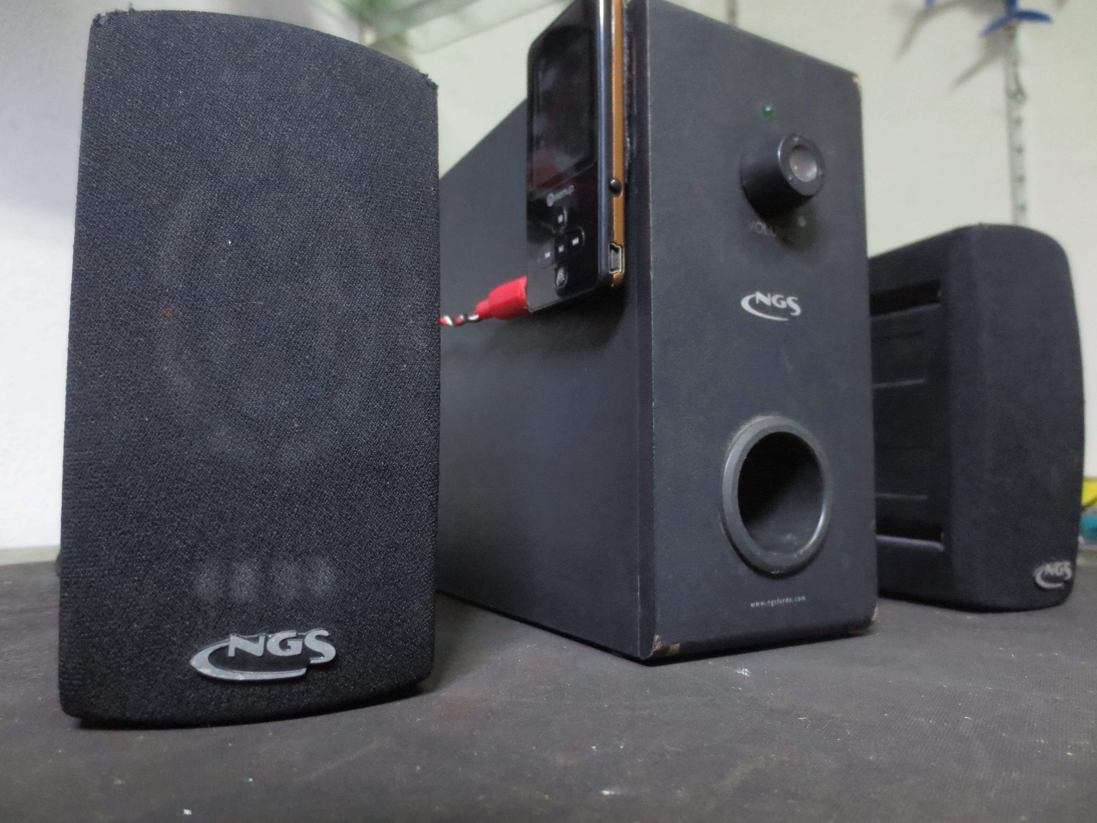Picture of Portable 2.1 Speakers