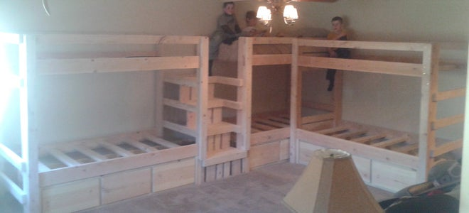 Twin/Twin Bunk Bed Set, Montana Style!