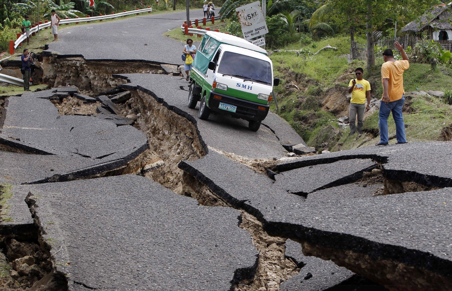 Picture of Earthquake Safety