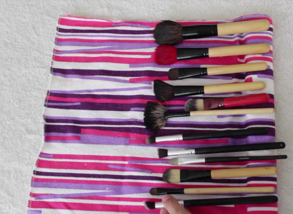 Picture of Clean Your Makeup Brushes