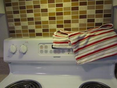 Portable Backsplash for Renters