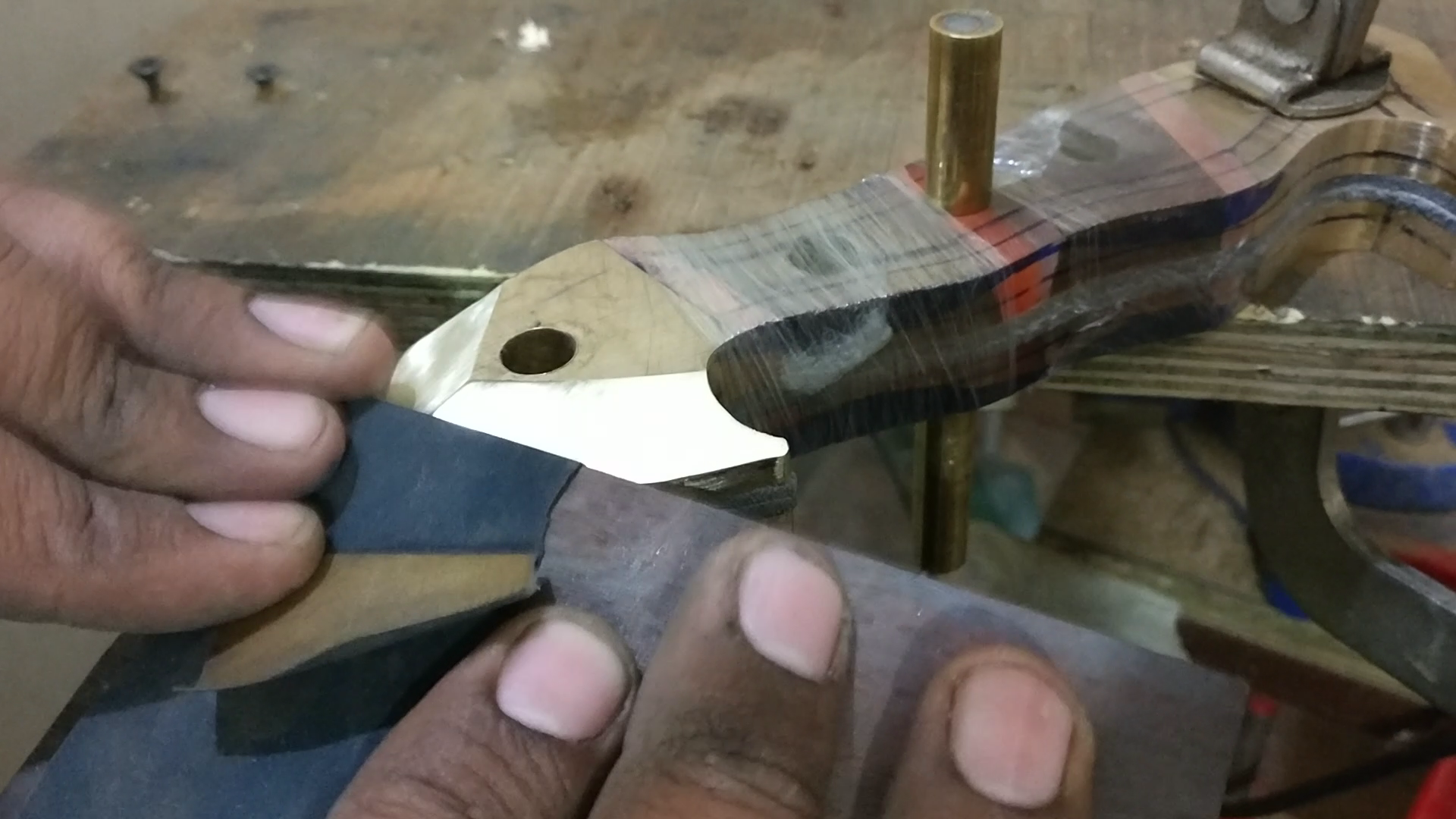 Picture of ​Attaching Handle to the Knife
