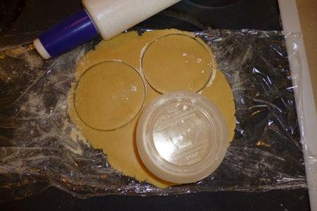Form Mini Pie Crusts